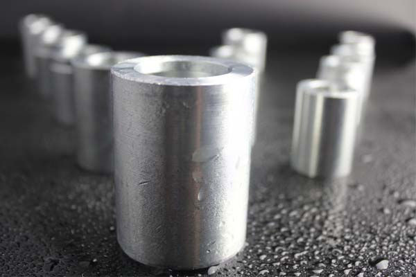 Mild-Steel-slang-krage
